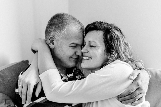 Crise du milieu de vie chez l'homme : comment aider votre conjoint