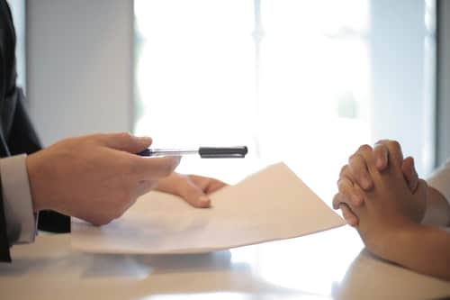 Bien-être au travail chez les femmes managers de proximité : les signes du syndrome de l'imposteur