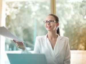 Read more about the article La délégation de tâches : une solution efficace contre le stress chez les femmes managers de proximité